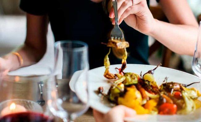 comida-elaborada-carne-verduras-cocidas